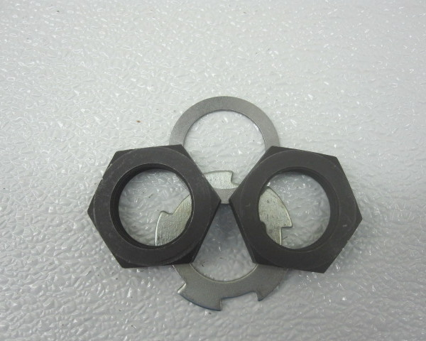 V8 Ford pinion nut and lock washer set